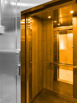 Instalación de ascensores hidráulicos en Zaragoza