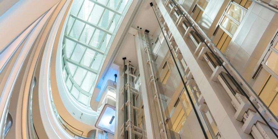 ascensor panorámico centro comercial
